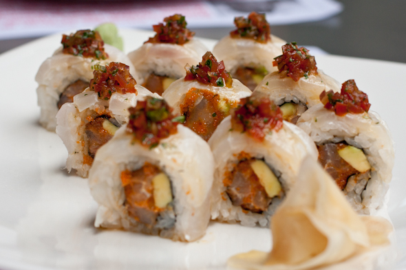 sushi maki from Wok in Colombia