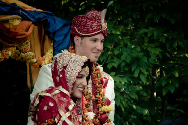 hindu wedding couple