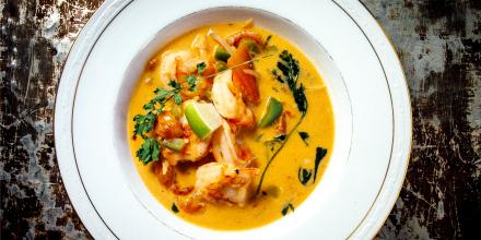 brazilian shrimp soup moqueca de camarao_