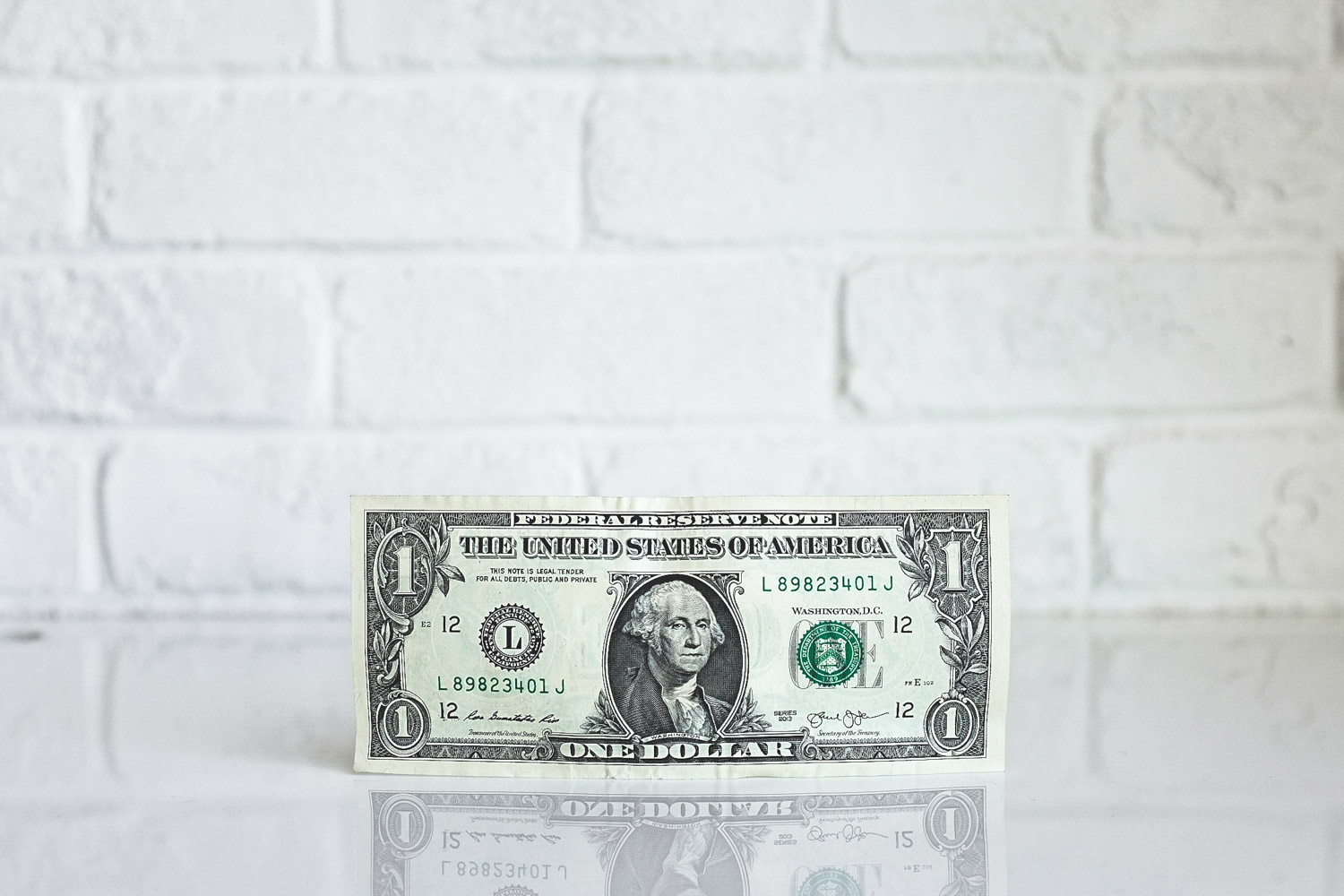 Should Americans change dollars into Euros before exchanging into Cuban currency?