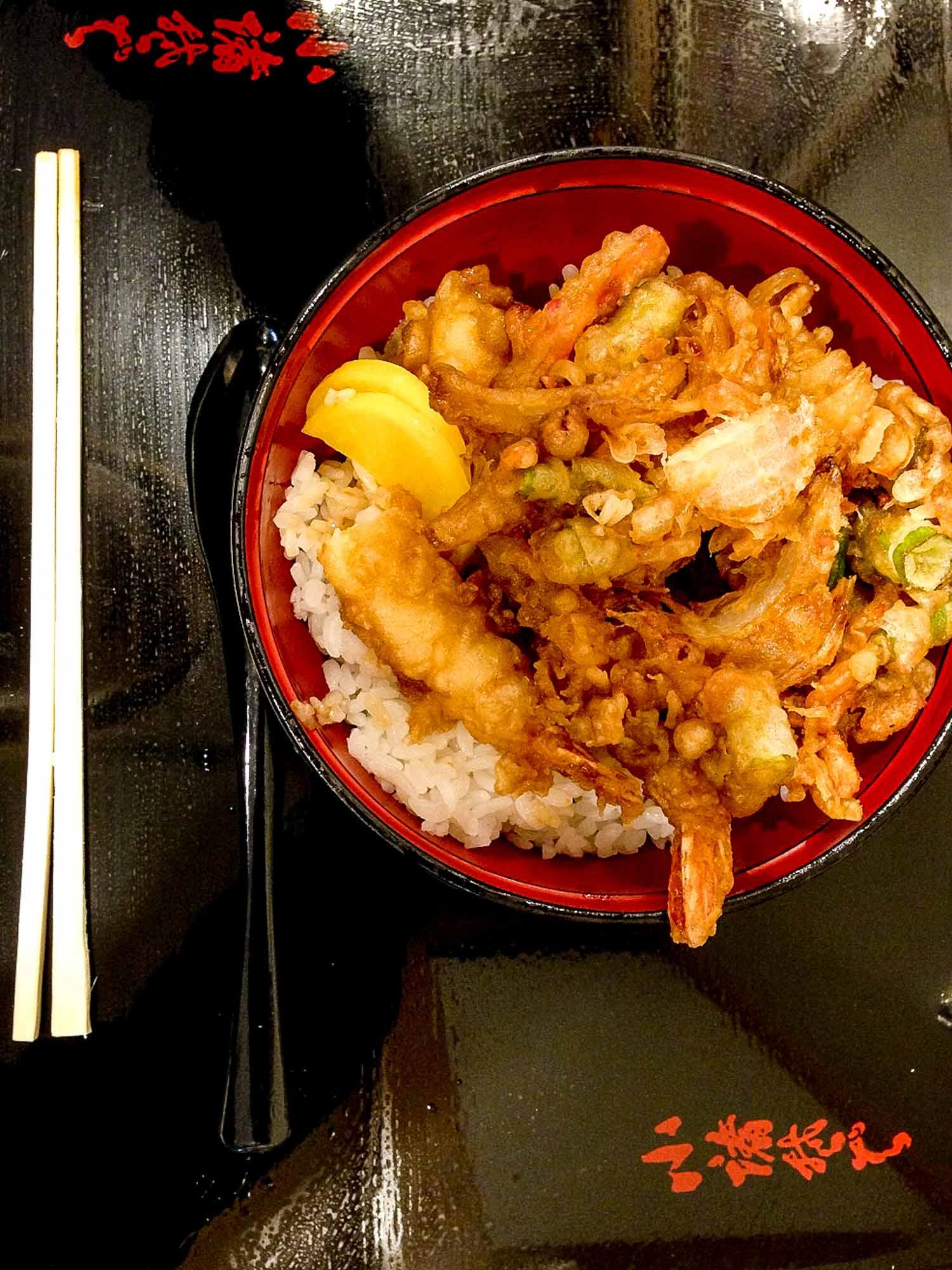 Shrimp tempura in a bowl, common in Japanese cuisine