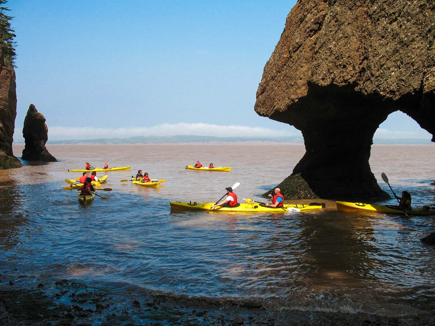Sea kayaking Bay of Fundy Nova Scotia