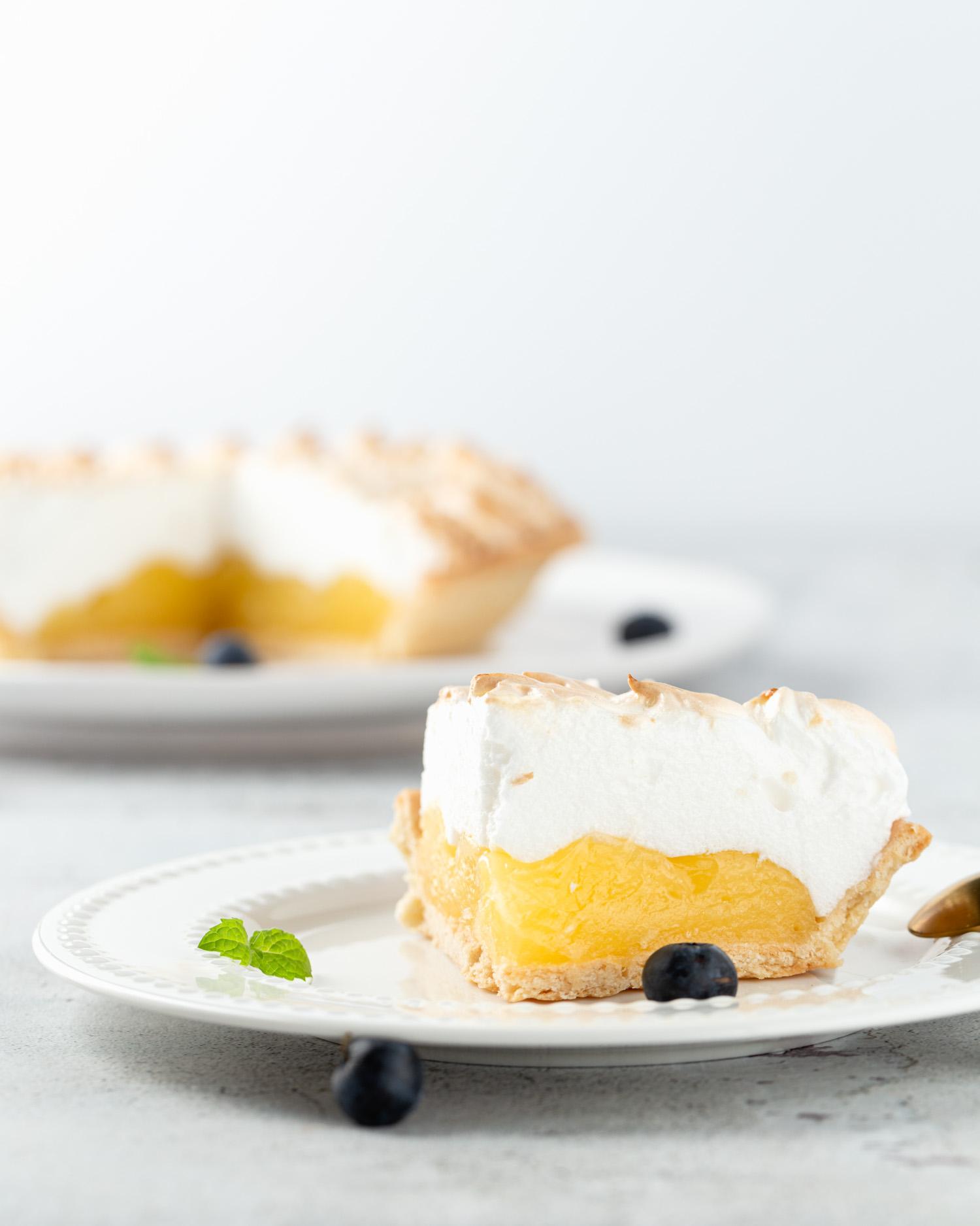 Lemon tart, tarte citron in Paris