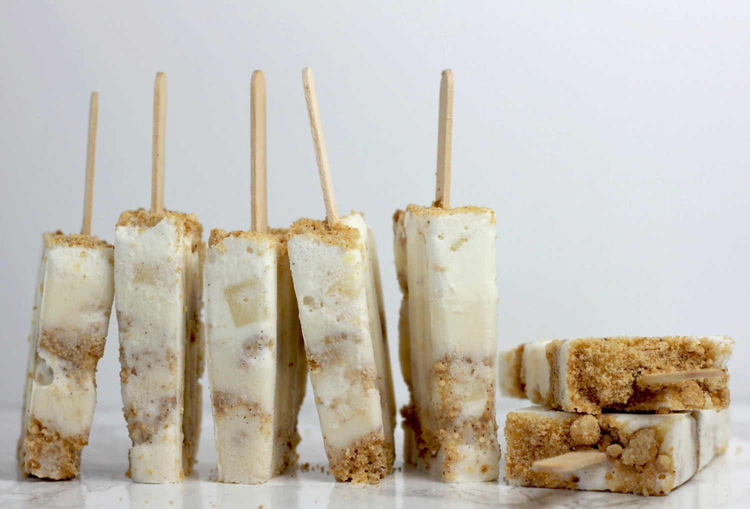 Rosh Hashanah pops with cream and apple