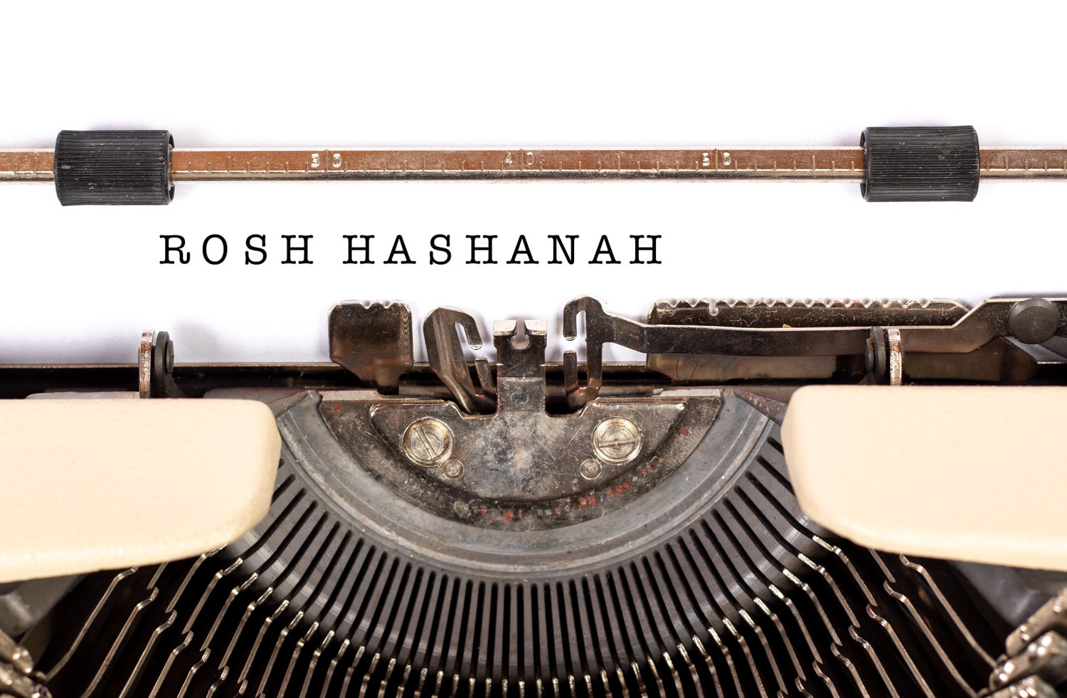 Typewriter with rosh hashanah typed out
