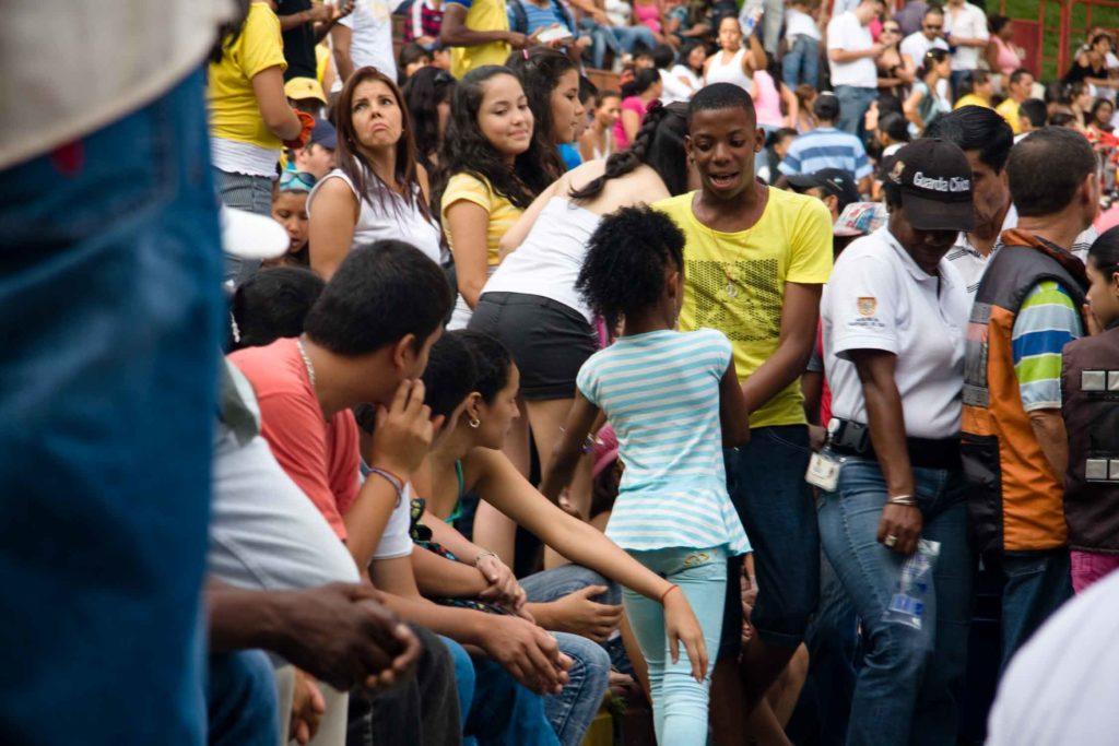Cali international salsa festival people dancing
