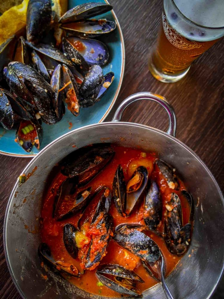 1lb mussels with beer at Nook and Cranny restaurant